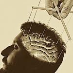 Un conseiller de la DARPA révèle l'existence de superordinateurs (IA) conscients, utilisés pour le contrôle de l'esprit